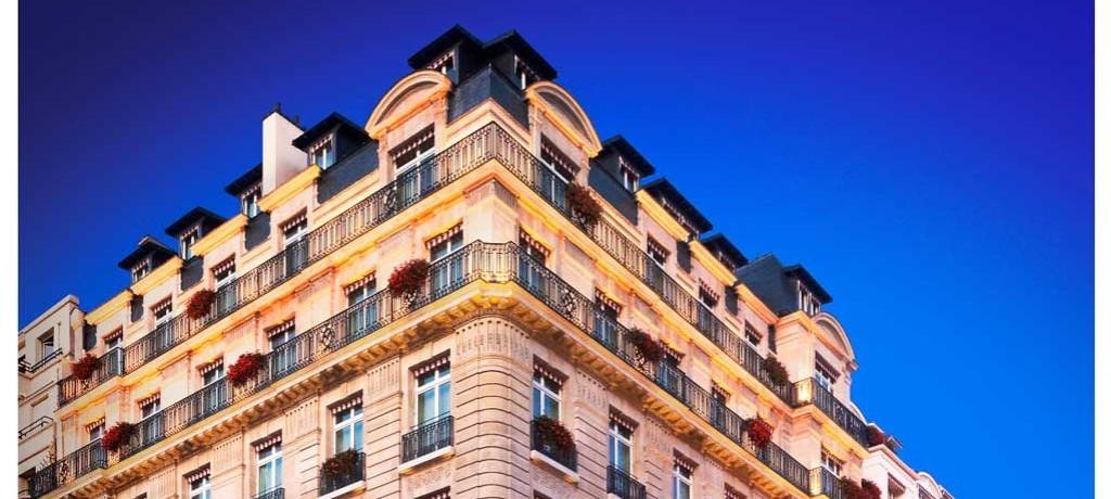 Meia-noite em Paris com muito glamour, no Le Bristol Hotel