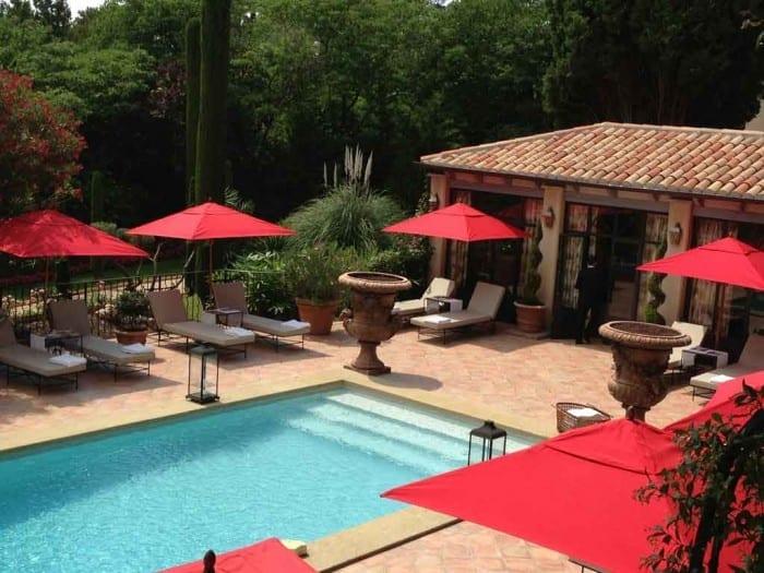 piscina do villa gallici em aix en provence por original miles