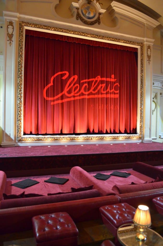 03. Electric Cinema - Camas