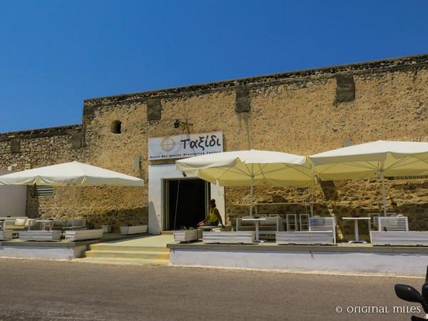 tacsidi-beach-bar-10