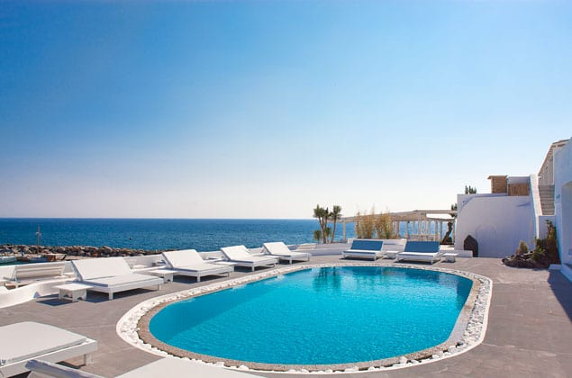 the_pool_lounge_area