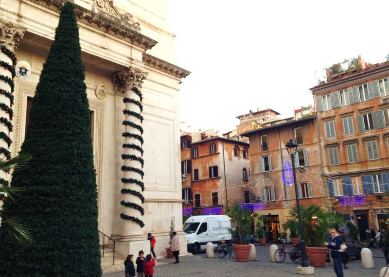 piazza San Salvatore in Lauro