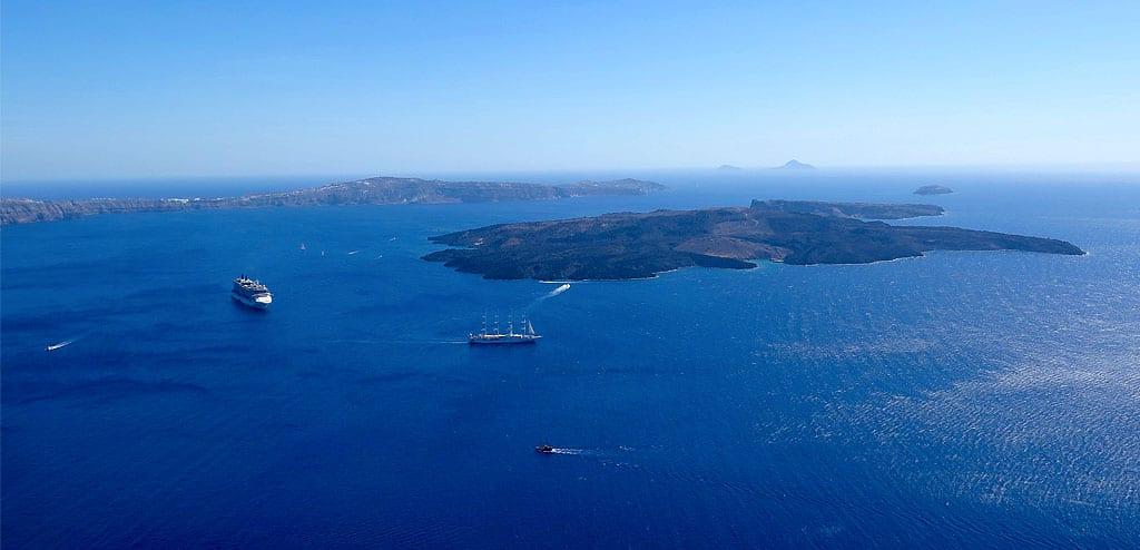 Como ir de Mykonos a Santorini