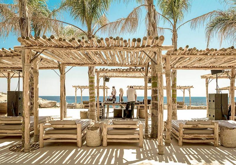 melhores beach clubs em mykonos scorpios