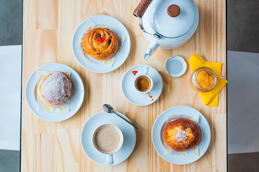 café da manhã no feriado de Páscoa Padaria da Esquina